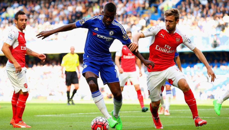 LONDON, ENGLAND - SEPTEMBER 19:  Ramires of Chelsea and Nacho Monreal of Arsenal compete for the ball  during the Barclays Premier League match between Chelsea and Arsenal at Stamford Bridge on September 19, 2015 in London, United Kingdom.  (Photo by Ian Walton/Getty Images)