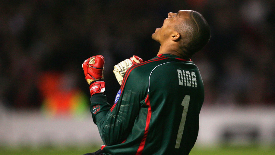 MANCHESTER, UNITED KINGDOM - APRIL 24:  Dida of  AC Milan celebrates after Kaka scored his team's second goal during the UEFA Champions League Semi Final, first leg match between Manchester United and AC Milan at Old Trafford on April 24, 2007 in Manchester, England. (Photo by Laurence Griffiths/Getty Images)