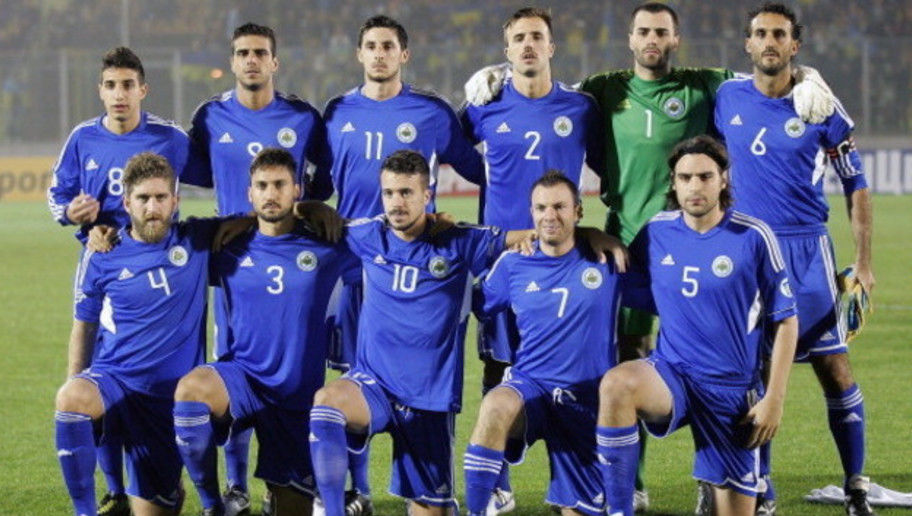 SERRAVALLE, ITALY - OCTOBER 15: San Marino line up prior to the  FIFA 2014 World Cup Qualifier Group H match between San Marino and Ukraine at Serravalle Stadium on October 15, 2013 in Serravalle, Italy.  (Photo by Gabriele Maltinti/Getty Images)