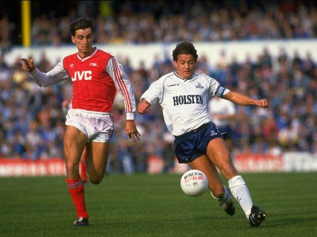 Alan Smith of Arsenal and Gary Mabbutt of Tottenham Hotspur