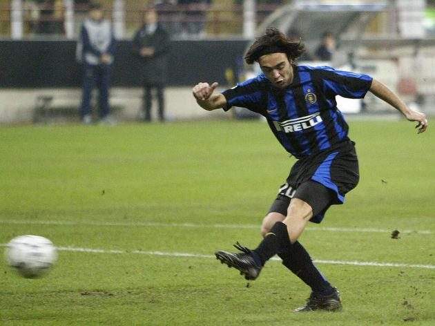 Inter Milan's Alvaro Recoba of Uruguay s