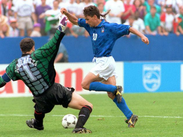 Roberto Baggio,Andoni Zubizarreta