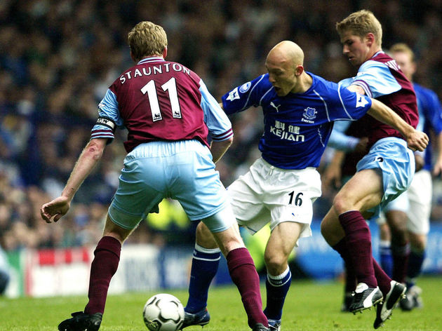 (l/r) Steve Stauton of Villa Thomas Gravesen of Everton and Thomas Hitzlsperger of Villa