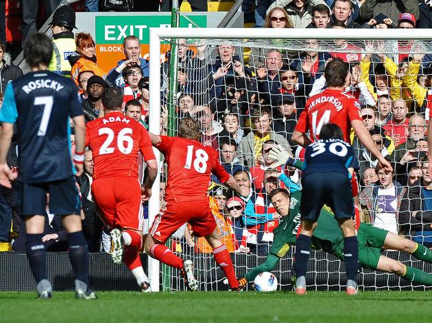 Liverpool's Dutch striker Dirk Kuyt (3rd