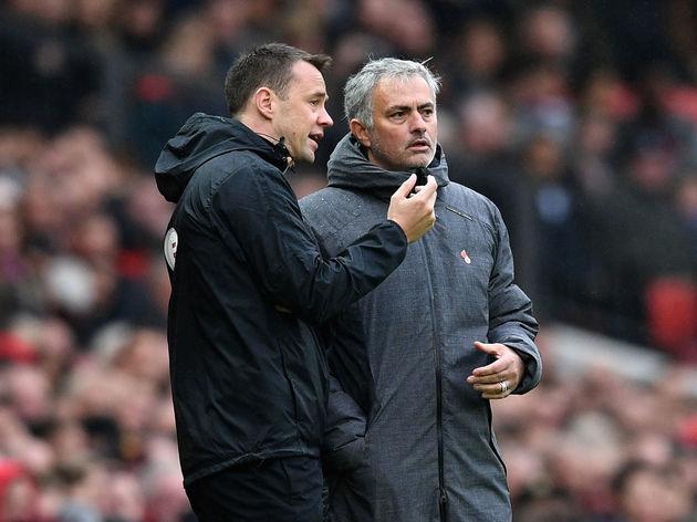Stuart Attwell,Jose Mourinho