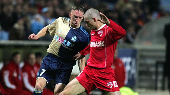 Marseille's midfielder Franck Ribery (L)