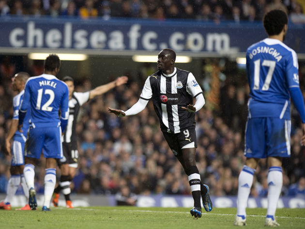 Newcastle United's Papiss Cisse (2nd R)