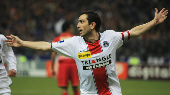 Paris' Portuguese forward Pauleta celebr