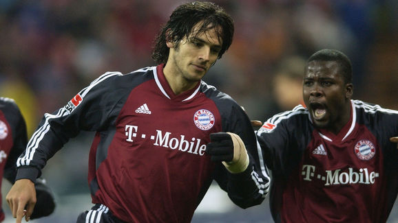 Roque Santa Cruz of Bayern Munich celebrates