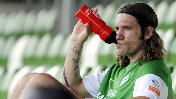Werder Bremen's midfielder Torsten Fring