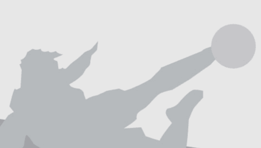 SINSHEIM, GERMANY - NOVEMBER 20:  Markus Gisdol, head coach of Hamburg comforts Johan Djourou after the Bundesliga match between TSG 1899 Hoffenheim and Hamburger SV at Wirsol Rhein-Neckar-Arena on November 20, 2016 in Sinsheim, Germany.  (Photo by Alex Grimm/Bongarts/Getty Images)