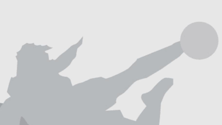 BREMEN, GERMANY - SEPTEMBER 29:    Fusball: Champions League 04/05, Bremen; SV Werder Bremen - FC Valencia 2:1; Trainer Claudio RANIERI / Valencia 29.09.04.  (Photo by Martin Rose/Bongarts/Getty Images)