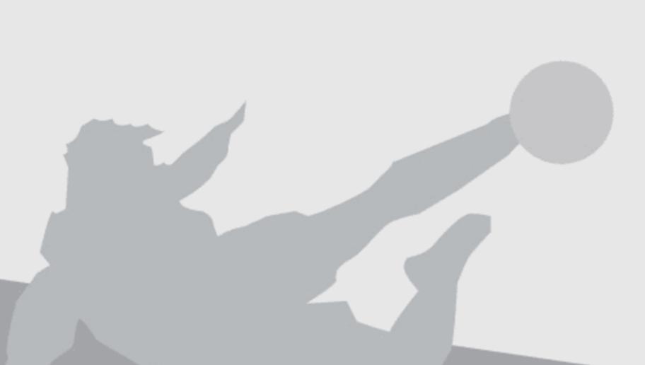 LEVERKUSEN, GERMANY - MARCH 02: Roberto Hilbert of Leverkusen runs with the ball during the Bundesliga match between Bayer Leverkusen and Werder Bremen at BayArena on March 2, 2016 in Leverkusen, Germany. The match between Leverkusen and Bremen ended 1-4.  (Photo by Christof Koepsel/Bongarts/Getty Images)