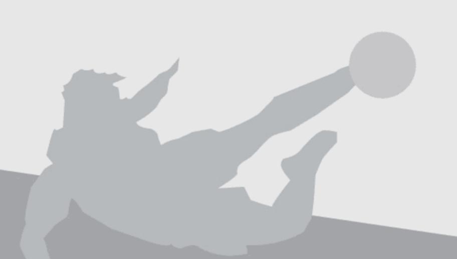 SAO PAULO, BRAZIL - JULY 06:  Rodrigo Caio of Sao Paulo reacts during semifinal first leg match of Copa Bridgestone Libertadores between Sao Paulo and Atletico Nacional at Morumbi Stadium on July 6, 2016 in Sao Paulo, Brazil.  (Photo by Friedemann Vogel/Getty Images)