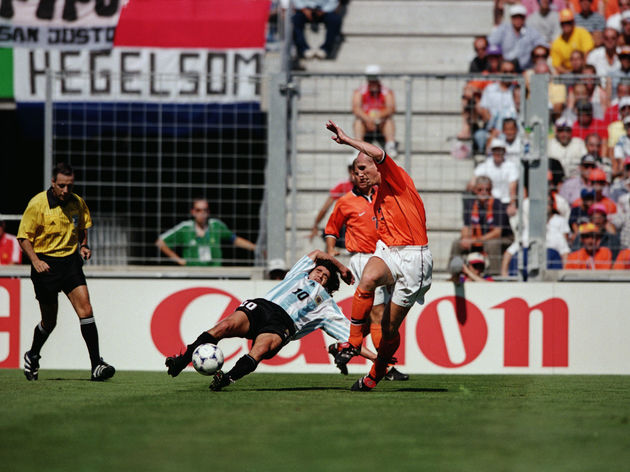 Ariel Ortega of Argentina and Jaap Stam of Holland