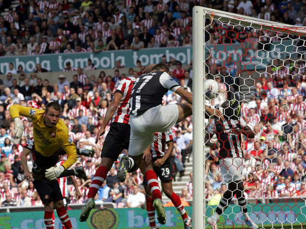 Newcastle's opening goal as Sunderland's